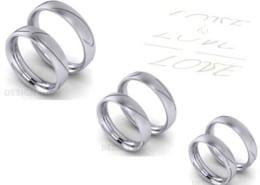 Trauringe love Gravur ueber zwei Ringe Varianten Platin